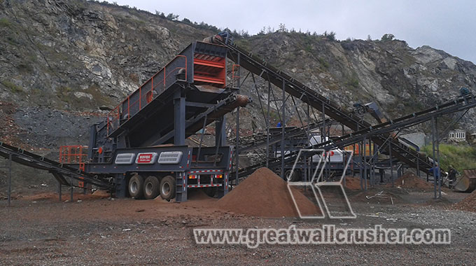 Mobile crushing plant for 150 t/h Philippine granite crushing project